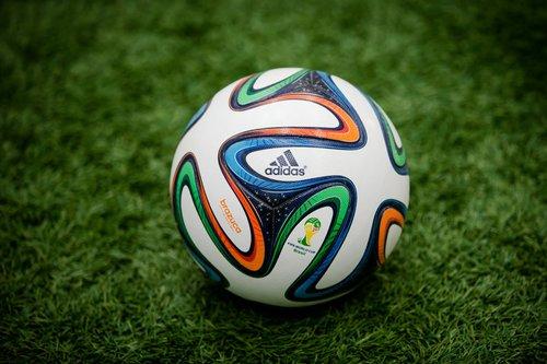 Красивые мячи в футболе