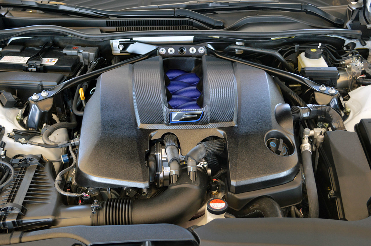 Первый тест-драйв Lexus RC F. Третий чуть спокойнее