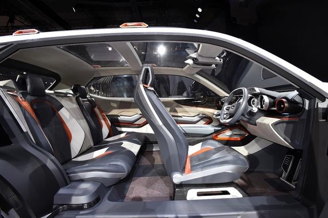 Subaru Vizi. Интерьер