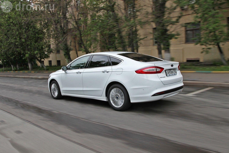Mazda 6 vs VW Passat | Auto Express