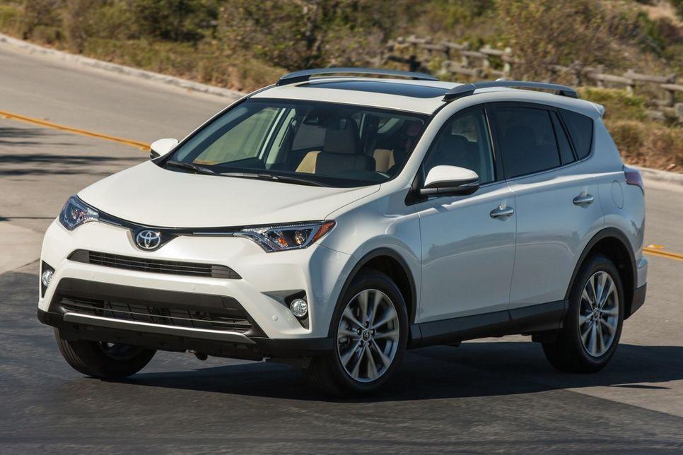 Первый тест-драйв Toyota RAV4 Hybrid