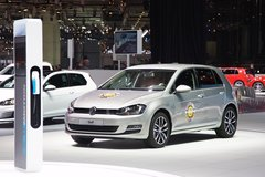 VW Golf получил звание «Автомобиль года — 2013»