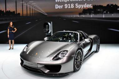 Porsche показала во Франкфурте полноуправляемый гибридный суперкар 918 Spyder