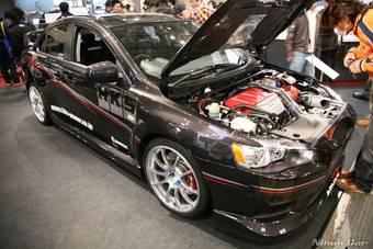 Мастерские автомобильного тюнига Blitz, HKS и Greedy на Токийском тюниг-шоу представили свои варианты доработок к спортивным автомобилям Subaru Impeza WRX и Mitsubishi Lancer Evo.