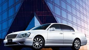 Рестайлинговая Nissan Cima выходит на японский рынок.
