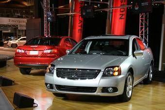 Mitsubishi представила обновленную версию седана Galant.