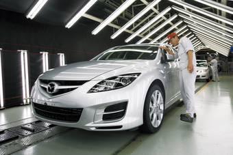 Работники заводов Mazda надолго обеспечены заказами на новую Mazda Atenza.