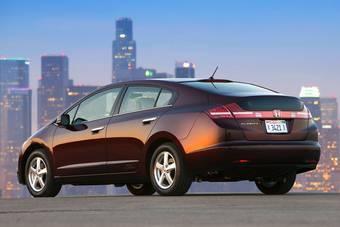 Как сообщил президент компании Honda, дизайн нового гибридного автомобиля будет схож с моделью Honda FCX Clarity.