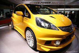 Honda Fit возглавил мартовский рейтинг в Японии.