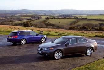 Компания Honda опубликовала множество фотографий с изображением седана и универсала Honda Accord нового поколения.