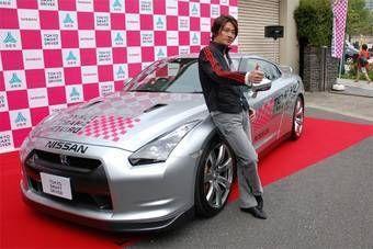 Nissan GT-R будет ездить по Токио, демонстрируя логотипы акции «Tokyo Smart Driver».