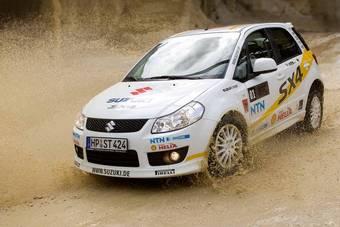 В Германии поступила в продажу ограниченная серия Suzuki SX4 WRC Special Edition, тираж которой составляет 500 единиц.