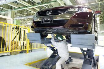 После тщательной проверки на качество первая партия автомобилей Honda FCX Clarity будет передана владельцам.