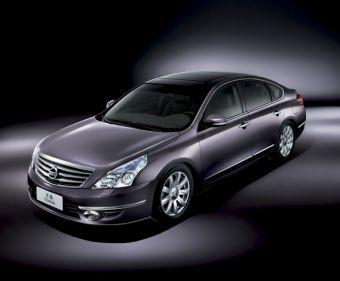 На изображении представлена китайская версия Nissan Teana в комплектации XV.