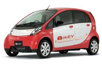 Электрокар Mitsubishi i-MiEV, возможно, выйдет в продажу уже в следующем году.