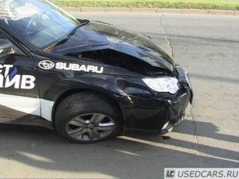 В Санкт-Петербурге неудачно закончился тест-драйв Subaru Outback.