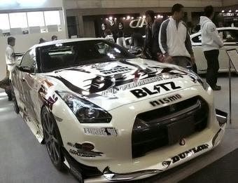 Тюнинг-мастерская Blitz поставила Nissan GT-R на шасси от Nissan Fairlady Z.