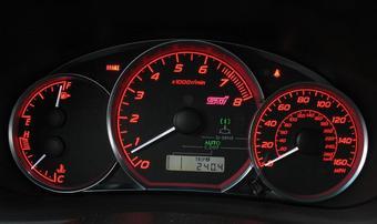 Всем американцам, управляющим Subaru Impreza WRX STI 2008 модельного года, рекомендуется деражать белую стрелку подальше от красной зоны. Иначе двигатель может выйти из строя.