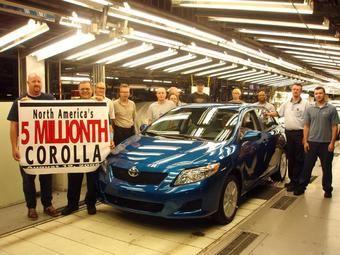 На территории Северной Америки за 22 года было собрано 5 000 000 автомобилей Toyota Corolla.