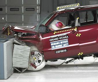 Городской внедорожник Suzuki Grand Vitara во время краш-тестов показал не самые лучшие результаты.