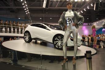 В Москве прошла мировая премьера концепта Mazda Kazamai.