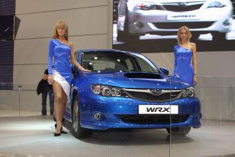 Седан Subaru Impreza WRX. Мощность обновленного двигателя составляет 265 л.с. (+30 л.с. по сравнению с предыдущей версией).