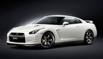 Nismo Nissan GT-R. Автомобиль с полным комплектом доработок от Nismo будет стоить на $50 тысяч дороже.