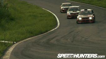 Два заднеприводных автомобиля Subaru Impreza и Nissan Silvia — представители команды Team Orange.