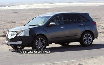 Тестовый образец рестайлинговой версии кроссовера Acura MDX был замечен на дорогах США.