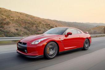 1 мая 2008 года компания Nissan официально объявила о том, что на очередном заезде по трассе Нюрбургринг суперкар Nissan GT-R в базовой модификации показал время, равное 7:29. В компании Porsche этому не верят и приводят свои доказательства.