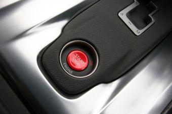 Владельцы Nissan GT-R, использующие функцию быстрого старта, могут попрощаться с гарантией в случае поломки автомобиля.
