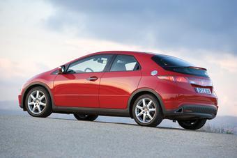 Honda сокращает производство европейских хэтчбэков Civic.