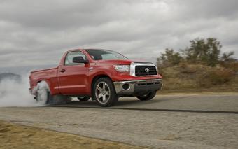 Toyota Tundra TRD разгоняется до 60 миль в час (96,56 км/час) всего за 4,4 секунды!