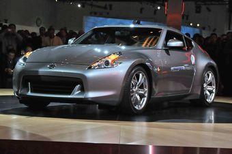 Дебютный показ нового поколения японского спорт-кара Nissan 370Z состоялся в Лос-Анджелесе.