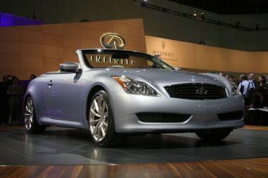 Моторшоу в Лос-Анджелесе: авто для богатых стариков — кабриолет Infiniti G37