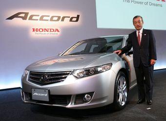 Президент компании Honda лично представил новый Accord в Японии.