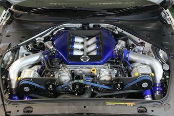 Power Enterprise Four Charger System: твин-турбовый двигатель VR38DETT с двумя суперчаржерами Rotrex C30-94.