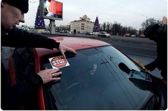 В субботу в России прошли акции протеста. Против повышения таможенных пошлин и против политики властей в целом. Характер акций протеста в различных городах был разный и порой было невозможно определить против чего конкретно выступают собравшиеся.