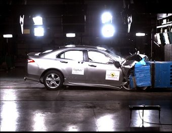 Honda Accord на краш-тесте. Лобовое столкновение.