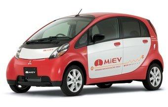 Электромобиль Mitsubishi i MiEV оборудуется электромотором мощностью в 63 л.с. (46 кВт), энергия к которому подается от 330-вольтовой литий-ионной батареи. Эта модель будет выпускаться и под брендом Peugeot.