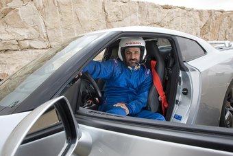 Моххамед Бен Сулайем, один из богатейших людей планеты, за рулем супер-кара Nissan GT-R.
