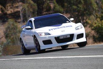 Mazda RX-8 с турбированным роторным двигателем.