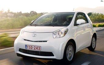 Toyota iQ может получить как звание лучшего автомобиля в мире, так и престижный титул самого экологичного авто.