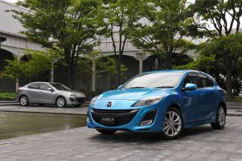 Mazda Axela второго поколения появилась в японских дилерских центрах.