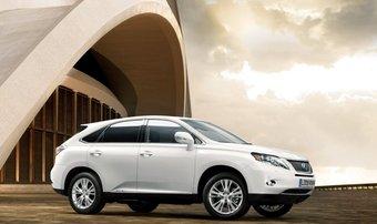 Lexus RX 450h выходит на российский рынок.