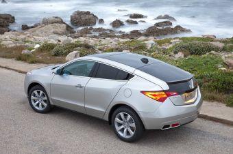 Honda демонстрирует первые снимки модели Acura ZDX, которая выйдет в продажу на рынке США этой зимой.