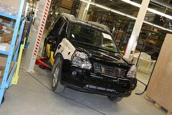 Тестовая сборка Nissan X-Trail запущена на заводе в Питере.