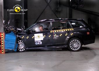 На последней серии краш-тестов от Euro NCAP универсал Subaru Legacy получил меньше всего баллов за безопасность взрослых пассажиров. При этом общая оценка за безопасность машины все равно наивысшая, то есть 5 звезд.