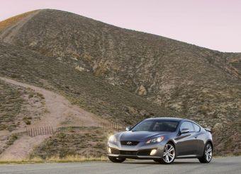 Hyundai Genesis Coupe будет стоить в России от 1229900рублей.