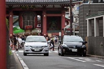 Insight и Prius прошли испытание в марафоне по токийским пробкам.